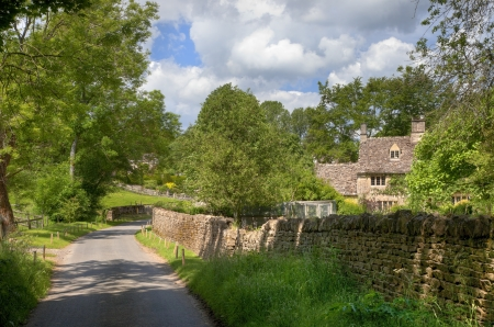 dean: Lane towards the small rural village of Lower Dean, Oxfordshire, England.