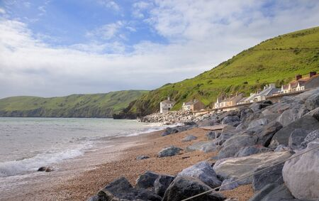 Het kleine kustdorpje Beesands, Devon, Engeland