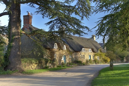 gloucestershire: The tiny village of Hidcote Bartrim near Hidcote Gardens, Chipping Campden, Gloucestershire, England