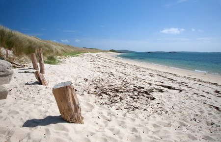 scilly: White sandy beach at Appletree Bay, Tresco, Isles of Scilly, Cornwall, England. Stock Photo