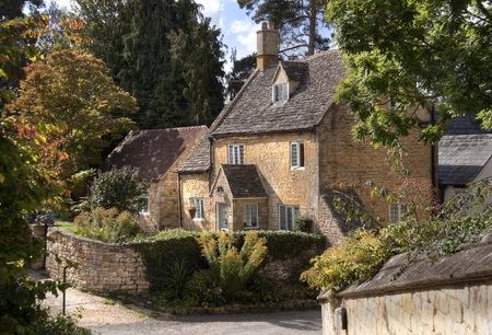 cotswold: Graziosa casetta indipendente Cotswold, Mickleton vicino a Chipping Campden, Gloucestershire, in Inghilterra. Archivio Fotografico