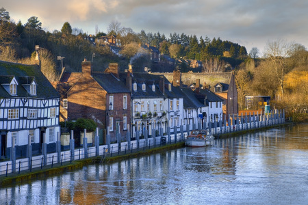 Flood defences on the River Severn, Bewdley, Worcestershire, England  Stockfoto