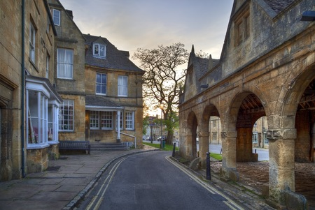 market hall: The Old Market Hall at Chipping Campden, Gloucestershire, England