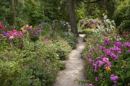 herbaceous border: Pretty English garden Stock Photo