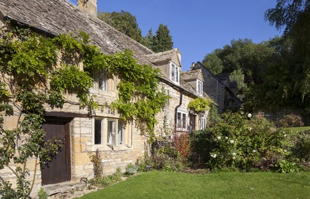 cotswold: Cotswold cottages, Snowshill, Gloucestershire, England