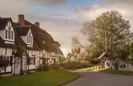warwickshire: Thatched cottages at Welford on Avon, Warwickshire, England.