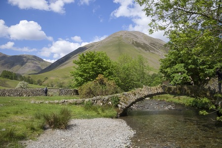 old packhorse bridge: Old packhorse bridge at Wasdale Head, The Lake District, Cumbria, England