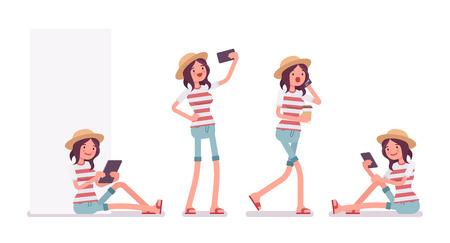 Joven sonriente mujer que llevaba el ajuste de verano de ocio, impresión de raya de moda, zapatos de playa, sentado con la tableta, teléfono hablando, haciendo selfie. Vector plana estilo de dibujos animados ilustración, aislado, fondo blanco
