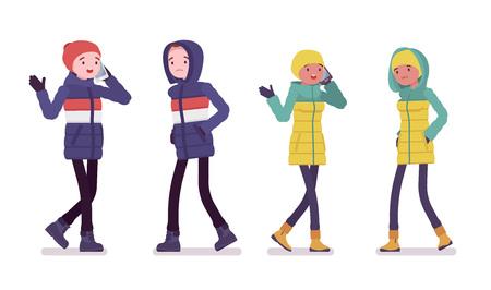 Hombre y mujer joven con chaqueta de plumón caminando, hablando por teléfono, vistiendo ropa de invierno suave y cálida, botas de nieve clásicas, sombrero y capucha. Ilustración de dibujos animados de estilo plano de vector aislado sobre fondo blanco