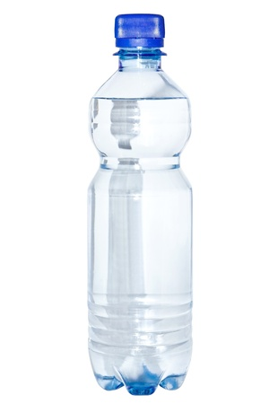 the thirst: Una bottiglia di acqua pulita isolato su uno sfondo bianco Archivio Fotografico