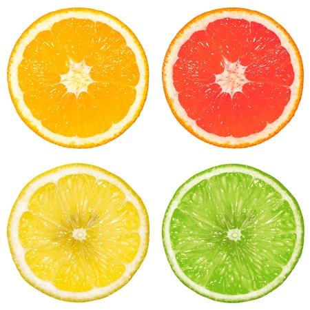 citricos: lim�n, naranja, pomelo y lim�n aisladas sobre fondo blanco