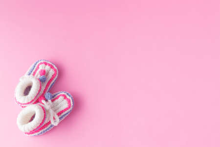 Newborn announcement on pink background Standard-Bild