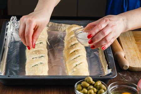 making bread: La gente est� haciendo pan
