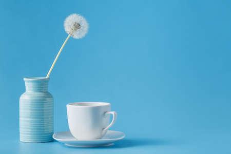 frescura: Todavía vida con una taza de té blanco