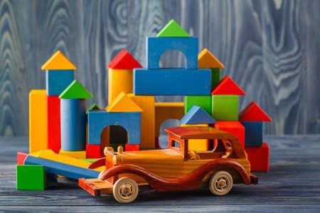 Casa E Carro Di Legno