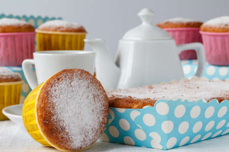 teaparty: Teaparty, Sweet muffins and tea.