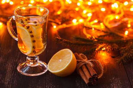 Winter Christmas drink hot mulled wine 스톡 콘텐츠