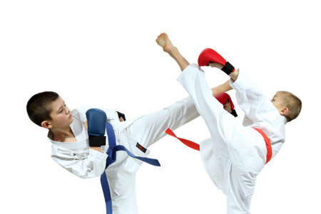 jiu jitsu: Two athletes in the linings are beating kicks