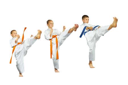 thai arts: Mae-geri kick are beating three sportsman in karategi