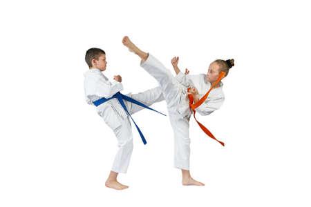 Fille et garçon bat des jambes Banque d'images