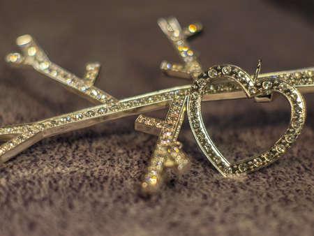 coeur diamant: Diamond heart on the woolen background