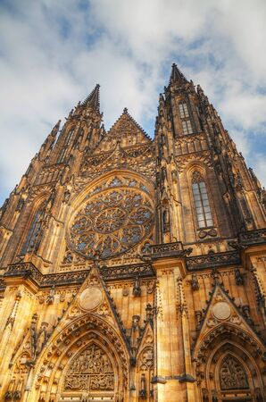 St. Vitus Cathedral exterior in Prague early in the morning 版權商用圖片