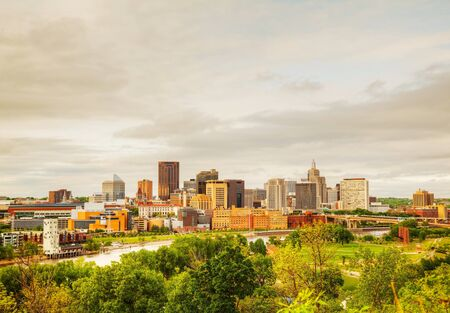 Downtown St. Paul, MN and Mississippi river Stock Photo - 18099600