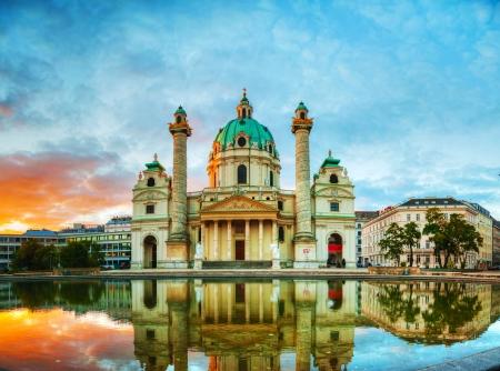 """wiedeń: Karlskirche w Wiedniu, Austria, rano o wschodzie sÅ'oÅ""""ca"""