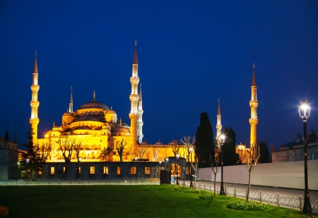 Sultan Ahmed Mosque (Blue Mosque) in Istanbul early in the morning photo