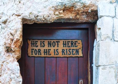 resurrección: La entrada a la Tumba Jardín en Jerusalén, Israel