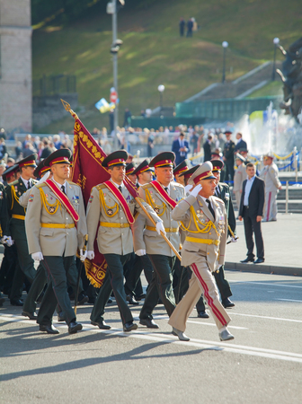 KYIV, UKRAINE - AUGUST 24: Highest officers of the Ukrainian Army at the military parade dedicated to the Independence Day of Ukraine on August 24, 2014 in Kyiv, Ukraine. 新聞圖片