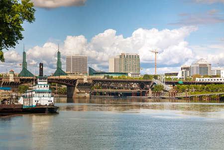 willamette: Cityscape of Portland, Oregon on a cloudy day Stock Photo
