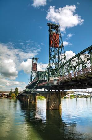 willamette: overview of Hawthorne drawbridge in Portland, Oregon