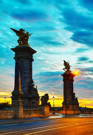 aleksander: Aleksander III bridge in Paris at sunrise