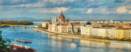 Panoramic overview of Budapest with Parliament building Stockfoto