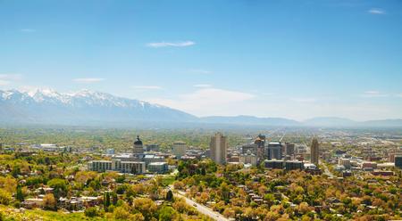 sal: Visi�n panor�mica de Salt Lake City en un d�a soleado