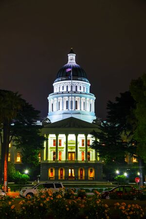 california state: Night view of the California state capitol building in Sacramento