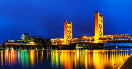 old bridge: Panorama of Golden Gates drawbridge in Sacramento at the night time