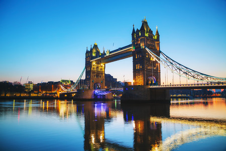 Tower bridge in London, Great Britain in the morning Imagens