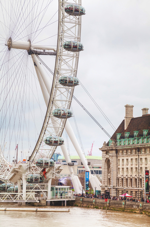 4 wheel: LONDON - APRIL 4: The London Eye Ferris wheel on April 4, 2015 in London, UK. The entire structure is 135 metres tall and the wheel has a diameter of 120 metres. Editorial