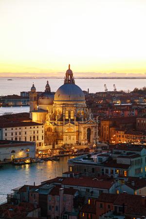 Aerial view of Venice with Basilica Di Santa Maria della Salute Imagens