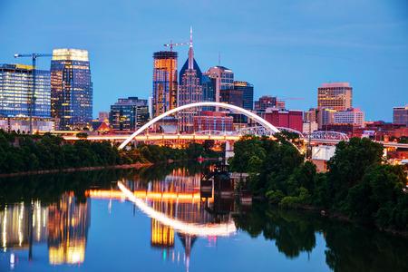 Downtown Nashville, Tennessee stadslandschap 's nachts Stockfoto