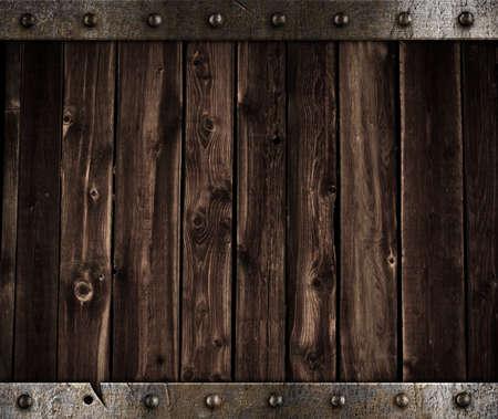 porte bois: m�tal et fond en bois