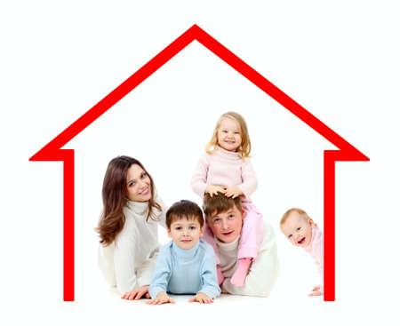 home loans: Famiglia felice nella loro concetto di casa propria