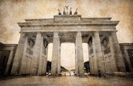brandenburg: Brandenburg Gate (Brandenburger Tor) in Berlin, grunge postcard