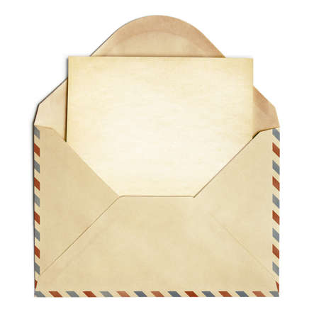 envelope with letter: busta retr� con vecchio foglio di carta bianco isolato su bianco Archivio Fotografico