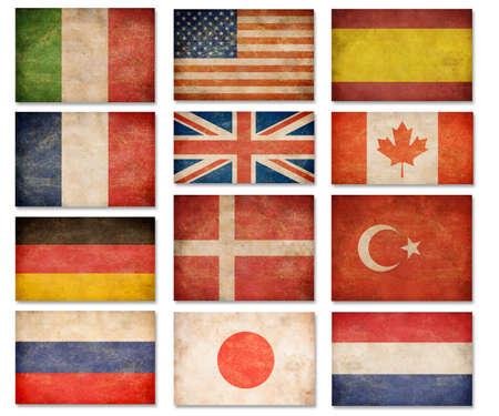 Grunge vlaggen: VS, Groot-Brittannië, Italië, Frankrijk, Denemarken, Duitsland, Rusland, Japan, Canada, Spanje, Turkije, Nederland