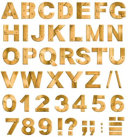 letras de oro: De oro o de bronce del metal las letras del alfabeto, números y signos de puntuación fuente aislados en blanco