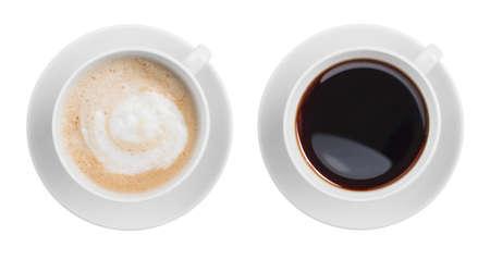 capuchinos: cappuccino y espresso negro vista desde arriba taza de café aislado en blanco
