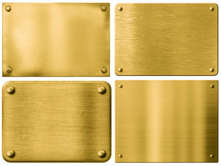 metales: placas de metal de oro o letreros fijados con remaches aisladas en blanco